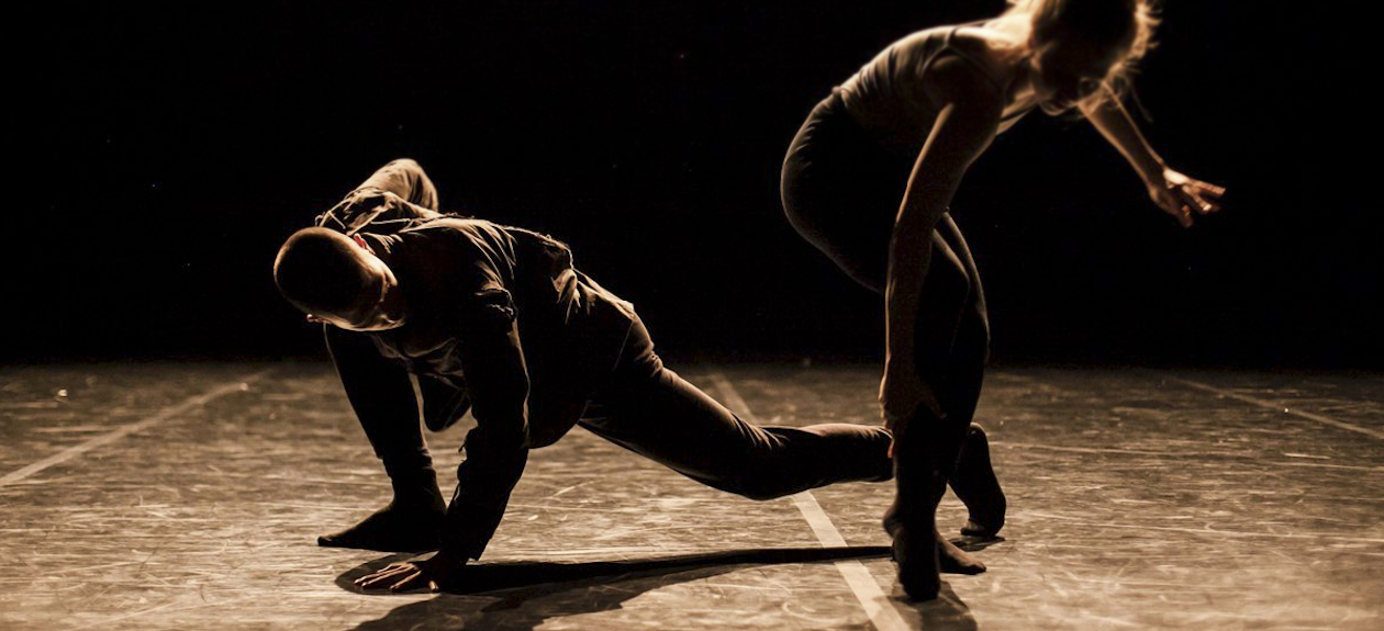 the demands of contemporary dance Apart from the technical demands of dance, other factors such as costume requirements, performance conditions such as the rake of the stage and the psychological stress of a dancer's lifestyle can all take their toll on the body.